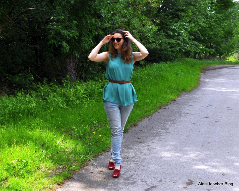 Teal summer outfit