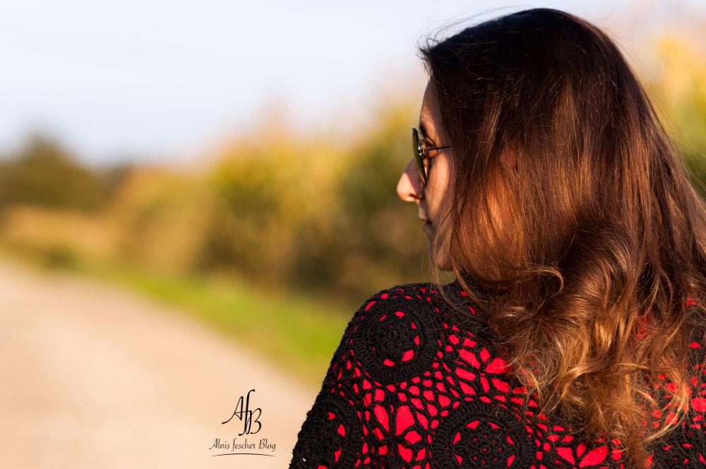 alnis-autumn-poncho-2