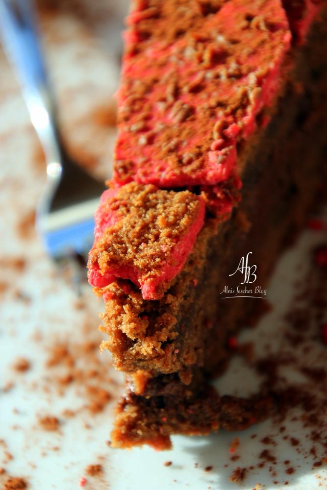 Rote Herzerl-Torte