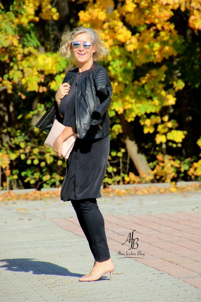 Kleid über Hose - der neue Trend?