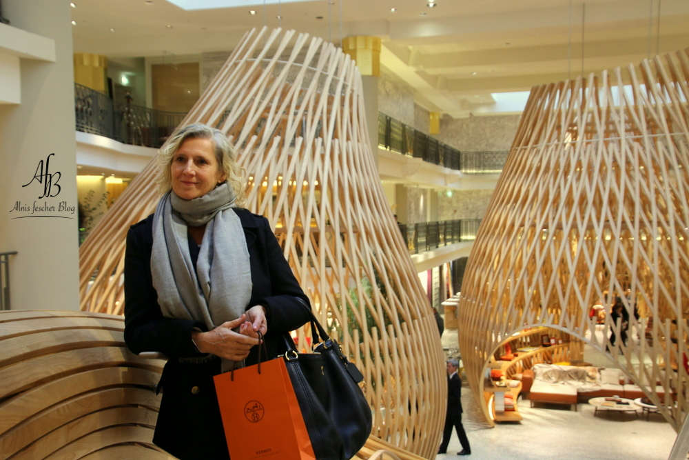 Herm s paris store in der rue de s vres alnis fescher blog - Hermes rue de sevres ...