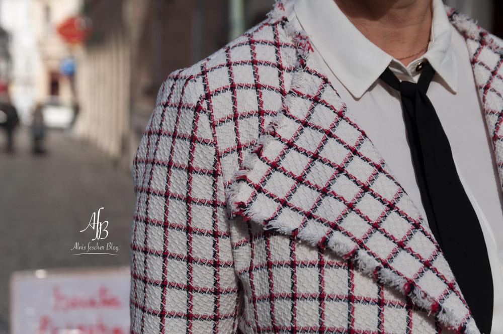 Outfit: Jacke im Chanel-Stil