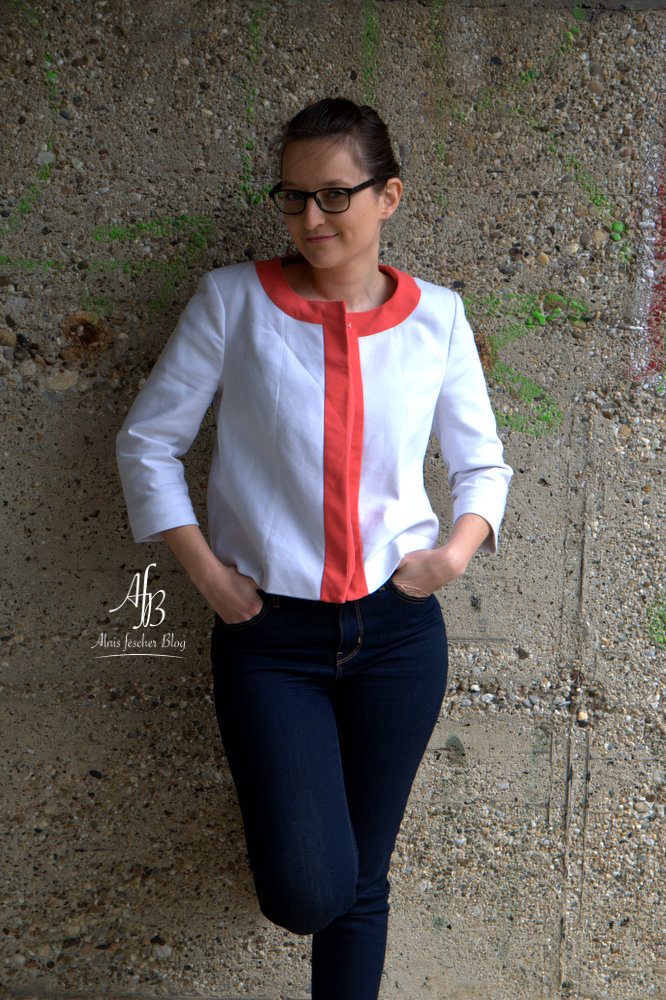 Outfit: Kurzer Blazer lässig kombiniert