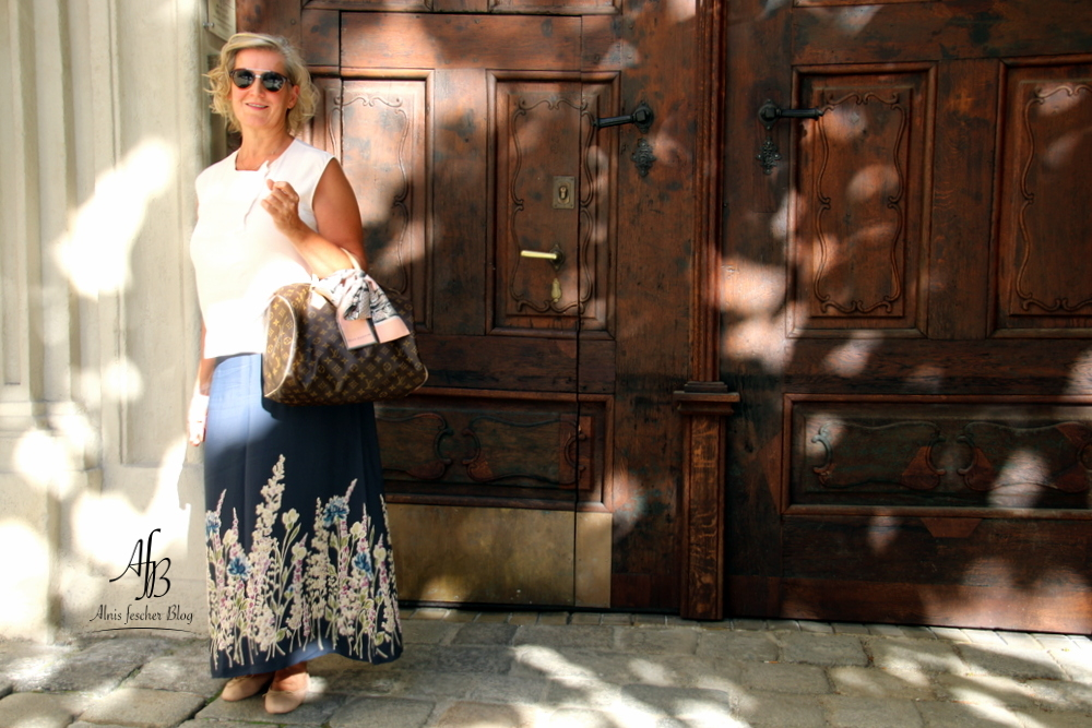 Sommeroutfit: Blumenrock für Dinner im Ofenloch
