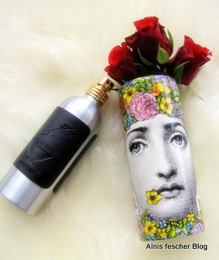 """""""FLORA"""" - die duftende Blumengöttin von Fornasetti"""
