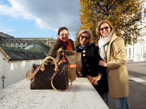 Louis-Vuitton-Speedy Treff mit den Mädels