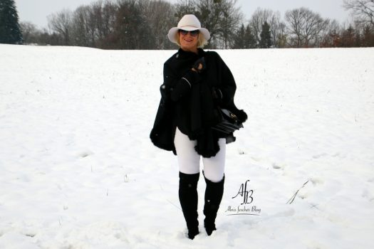 Black and White in the snow