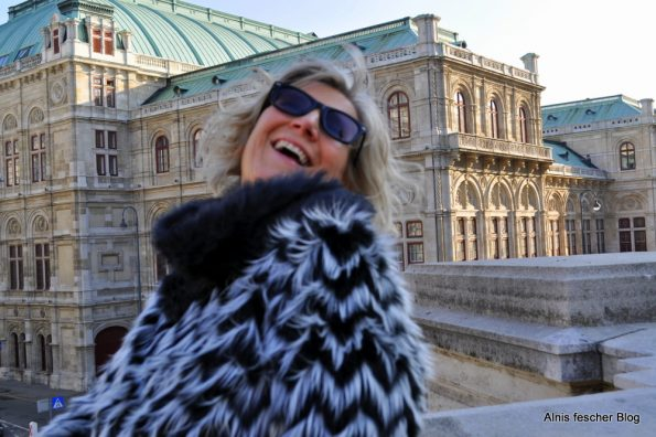 Fluffy goes Albertina