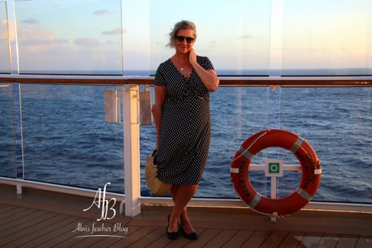 Tupfenkleid und Sonnenbrand on vacation