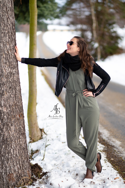Jumpsuit im Winter-Styling